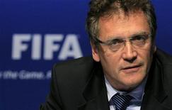 O secretário-geral da FIFA, Jerome Valcke, fala a uma conferência após uma reunião com o Comitê Executivo da FIFA em Zurique, 30 de março de 2012. REUTERS/Arnd Wiegmann