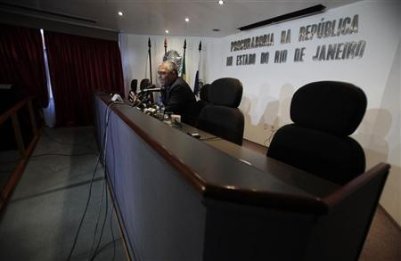 Brazilian federal prosecutor Eduardo Santos de Oliveira speaks during a news conference, as he discusses the oil leak around Chevron's deep-sea well, in Rio de Janeiro March 21, 2012. REUTERS/Sergio Moraes