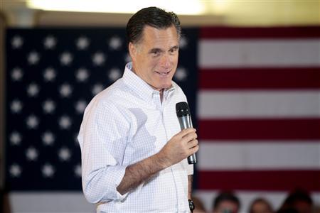 U.S. Republican presidential candidate Mitt Romney attends a pancake breakfast in Wauwatosa, Wisconsin, April 1, 2012. REUTERS/Darren Hauck