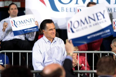 U.S. Republican presidential candidate Mitt Romney speaks to supporters at a town hall meeting at Moore Oil in Milwaukee, Wisconsin, April 2, 2012. REUTERS/Darren Hauck