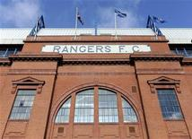 O estádio do Ibrox, do time de futebol Rangers, é visto em Glasgow, na Escócia, 18 de fevereiro de 2012. A equipe escocesa recebeu quatro ofertas firmes de compra e uma delas pode ser aceita na semana que vem, informaram nesta quarta-feira os administradores do clube. REUTERS/Russell Cheyne