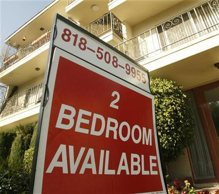 A sign at an apartment building in Los Angeles advertising a two-bedroom apartment for rent is pictured March 19, 2008. REUTERS/Fred Prouser