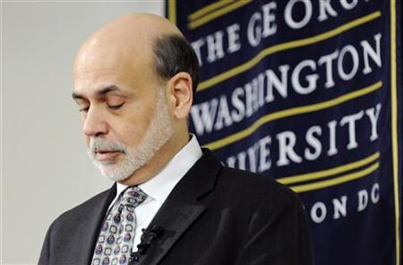 U.S. Federal Reserve Chairman Ben Bernanke pauses as he gives a lecture on the 2008 global financial crisis in a classroom at George Washington University School of Business in Washington, March 29, 2012. REUTERS/Jonathan Ernst