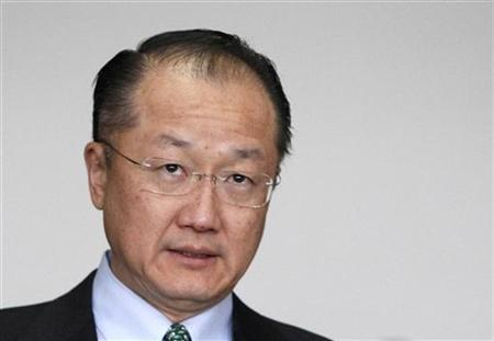 Jim Yong Kim, the U.S. nominee for the next World Bank president, leaves the Finance Ministry after a meeting with Japanese Finance Minister Jun Azumi in Tokyo April 1, 2012. JREUTERS/Issei Kato