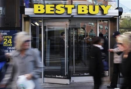 The entrance to the Best Buy store is seen in New York, March 26, 2012. REUTERS/Shannon Stapleton