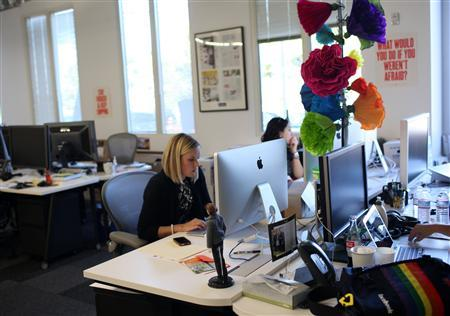 Facebook design chief Kate Aronowitz works at the company's headquarters in Menlo Park, California March 2, 2012. REUTERS/Robert Galbraith
