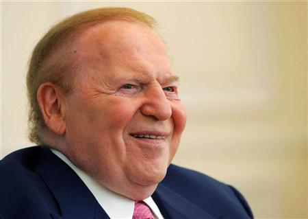 Sheldon Adelson, the chairman and chief executive of Las Vegas Sands Corp., smiles during an interview in Macau August 31, 2006. REUTERS/Paul Yeung