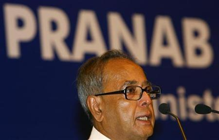 Finance Minister Pranab Mukherjee speaks during a business meeting in New Delhi July 7, 2009. REUTERS/Vijay Mathur/Files