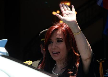 Argentina's President Cristina Fernandez arrives at the Mercosur trade block summit in Montevideo December 20, 2011. REUTERS/Pablo La Rosa