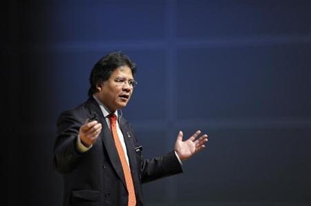 Minister in the Prime Minister's Department Idris Jala speaks during the Open Day for the Subsidy Rationalisation Lab in Kuala Lumpur May 27, 2010. REUTERS/Samsul Said