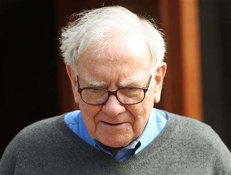 Berkshire Hathaway chairman and CEO Warren Buffett attends the second day of the Allen and Company Sun Valley Conference in Sun Valley, Idaho July 7, 2011. REUTERS/Anthony Bolante