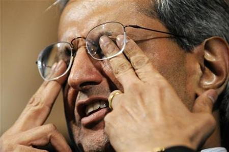 Citigroup CEO Vikram Pandit rubs his eyes before answering a question at the Bretton Woods Committee International Council conference in Washington, September 23, 2011. REUTERS/Jonathan Ernst