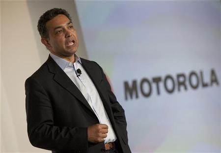Motorola CEO, Sanjay Jha speaks at the launch of the Motorola PHOTON 4G Summer and the Motorola TRIUMPH Virgin Mobile Summer in New York June 9, 2011 REUTERS/Andrew Kelly