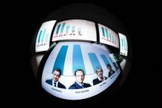 <p>Le parquet de Paris a annoncé que la police française avait été saisie d'enquêtes pénales visant plusieurs médias français et étrangers qui ont publié des estimations sur les résultats du premier tour de l'élection présidentielle avant l'heure légale. /Photo prise le 22 avril 2012/REUTERS/Valentin Flauraud</p>