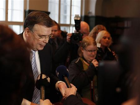 Geir Haarde, Iceland's former prime minister, speaks to the media in court in Reykjavik March 5, 2012. REUTERS/Ingolfur Juliusson