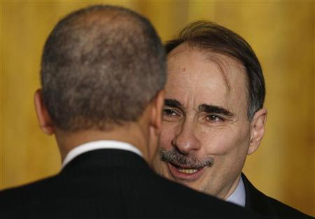 White House Senior Adviser David Axelrod talks in the East Room of the White House in Washington, January 6, 2011. REUTERS/Larry Downing