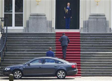 Dutch Prime Minister Mark Rutte arrives at the Huis ten Bosch Royal Palace in The Hague April 23, 2012. REUTERS/Michael Kooren