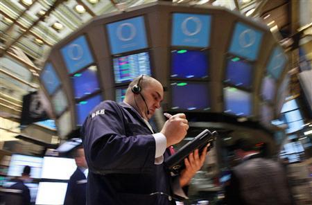Traders work on the floor of the New York Stock Exchange April 23, 2012. REUTERS/Brendan McDermid