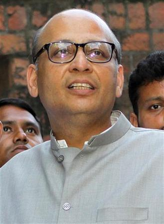 Abhishek Singhvi, a leader of India's ruling Congress party, speaks to the media at his residence in New Delhi in this September 2, 2011 file photo. REUTERS/Stringer/Files