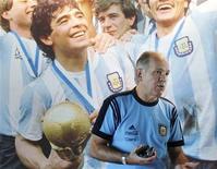 Técnico da seleção da Argentina Alejandro Sabella durante entrevista à Reuters na sede da equipe em Buenos Aires. 19/04/2012 REUTERS/Marcos Brindicci