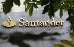 The logo of Spanish bank Santander is seen outside a building in Madrid October 27, 2011. REUTERS/Andrea Comas