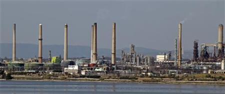 General view of the refinery of US chemicals group LyondellBasell in Berre, near Marseille, September 29, 2011. REUTERS/Jean-Paul Pelissier