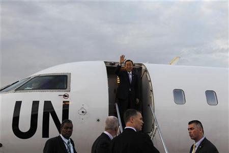 United Nations Secretary General Ban Ki-moon waves his hand as he arrives at Naypyitaw International Airport April 29, 2012. REUTERS/Soe Zeya Tun