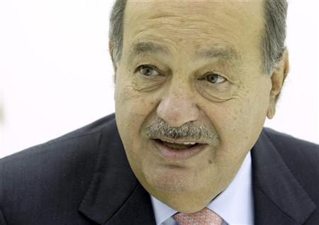 Chairman of Grupo Carso Carlos Slim of Mexico speaks during an interview with Reuters at the ITU Telecom World in Geneva October 24, 2011. REUTERS/Denis Balibouse