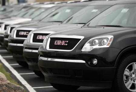 General Motors SUV's are displayed in an autosales lot in Troy, Michigan June 3, 2008. REUTERS/Rebecca Cook