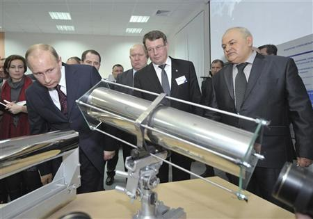 Russia's Prime Minister Vladimir Putin (L) visits the Russian Federal Nuclear Center under The All-Russian Research Institute of Experimental Physics in Sarov, Novgorod Region, February 24, 2012. REUTERS/Aleksey Nikolskyi/RIA Novosti/Pool