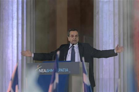Leader of the New Democracy conservatives party Antonis Samaras addresses the audience during a pre-election rally at Zappeion in Athens May 3, 2012. REUTERS/Yorgos Karahalis
