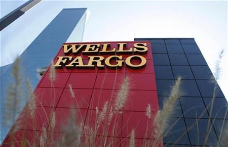 A Wells Fargo bank is pictured in Dallas, Texas October 9, 2008. REUTERS/Jessica Rinaldi