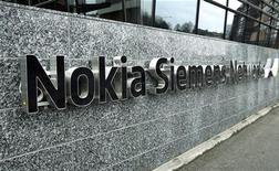 Il logo di Nokia Siemens. REUTERS/LEHTIKUVA/Timo Jaakonaho