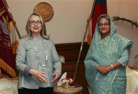 U.S. Secretary of State Hillary Clinton (L) meets with Bangladesh's Prime Minister Sheikh Hasina in Dhaka May 5, 2012. REUTERS/Shannon Stapleton