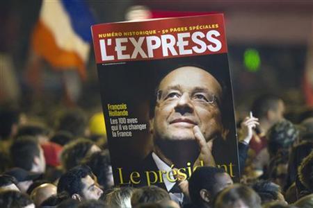 5月6日、フランス大統領選では、サルコジ大統領が社会党のオランド前第1書記に敗れ、今後ドイツには成長重視の政策を求める圧力が強まるとみられる。パリで撮影(2012年 ロイター/Charles Platiau)