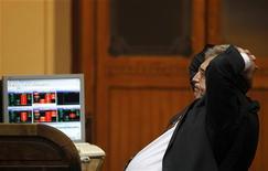 Un operatore di borsa REUTERS/Susana Vera