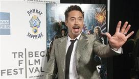 """<p>Imagen de archivo del actor Robert Downey J. a su llegada al esteno del filme """"The Avengers"""", en el Festival de Cine de Nueva York, abr 28 2012. The Avengers"""" demostró que cinco superhéroes son mejores que uno tras entrar en los libros de Hollywood con un récord de taquilla de 200,3 millones de dólares durante el fin de semana de su estreno en Estados Unidos y Canadá, dando así un inicio explosivo a la temporada de cine de verano de Hollywood. REUTERS/Andrew Kelly</p>"""