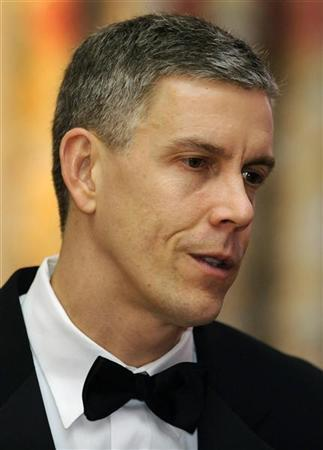 U.S. Secretary of Education Arne Duncan attends a dinner for the National Governor's Association at the White House in Washington February 27, 2011. REUTERS/Jonathan Ernst