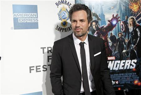 Actor Mark Ruffalo arrives at the screening of the film ''Marvel's The Avengers'' for the closing night of the 2012 Tribeca Film Festival in New York April 28, 2012. REUTERS/Andrew Kelly