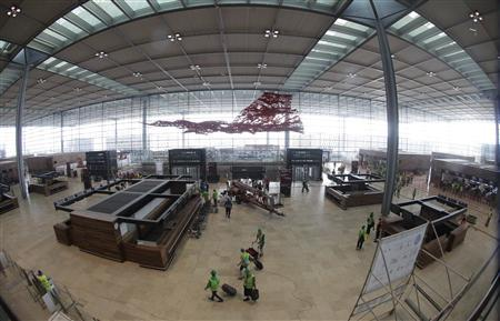 File photo of main terminal of the future Berlin Brandenburg international airport Willy Brandt (BER) in Schoenefeld south of Berlin, April 30, 2012. REUTERS/Tobias Schwarz/Files