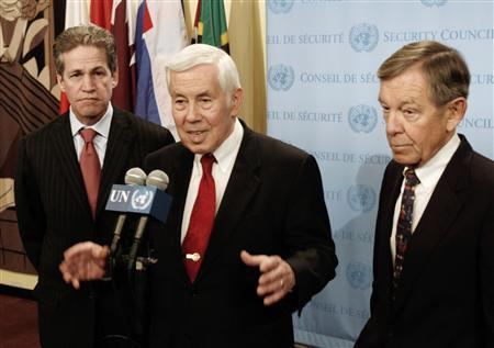 Senator Richard Lugar (C), Chairman of the U.S. Senate Foreign Relations Committee, speaks to the press along with Senator Norm Coleman (L) and Senator George Voinovich following a United Nations Security Council meeting in New York in this February 6, 2006 file photograph. REUTERS/Nicholas Roberts/Files