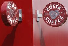 Кофейня Costa Coffee в Лафборо, 17 июня 2008 года. Выручка российской ресторанной группы Росинтер снизилась на 0,8 процента до 832 миллионов рублей за апрель 2012 года в годовом выражении, сообщила компания в субботу. REUTERS/Darren Staples