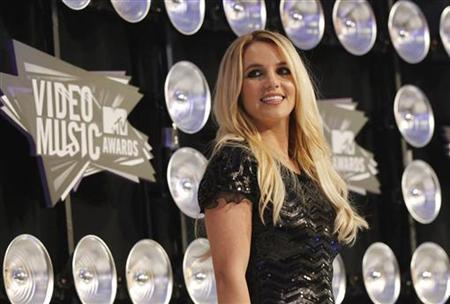 Singer Britney Spears arrives at the 2011 MTV Video Music Awards in Los Angeles August 28, 2011. REUTERS/Mario Anzuoni