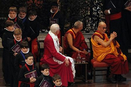 The Dalai Lama (R) attends the Templeton Prize during his first visit to St Paul's Cathedral in London May 14, 2012. REUTERS/Stefan Wermuth