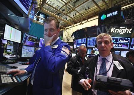 Traders work on the floor of the New York Stock Exchange, May 15, 2012. REUTERS/Brendan McDermid
