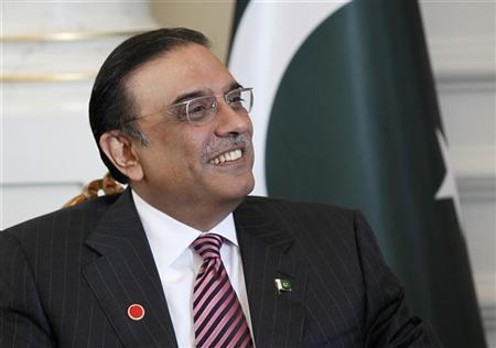 Pakistan's President Asif Ali Zardari is seen during a meeting with his Turkish counterpart Abdullah Gul (not pictured) in Istanbul November 1, 2011. REUTERS/Murad Sezer