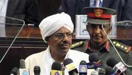 Sudan's President Omar Hassan al-Bashir addresses the parliament in Khartoum, July 12, 2011. REUTERS/Mohamed Nureldin Abdallah