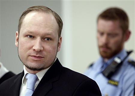 Norwegian mass killer Anders Behring Breivik is seen in a courtroom in Oslo May 16, 2012. REUTERS/Stian Lysberg Solum/NTB scanpix/Pool