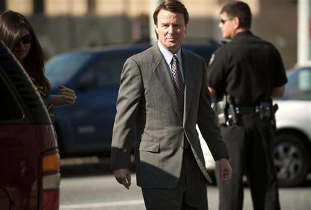 Former U.S. Senator John Edwards, 58, walks to the federal courthouse in Greensboro, N.C., May 7, 2012. REUTERS/Davis Turner