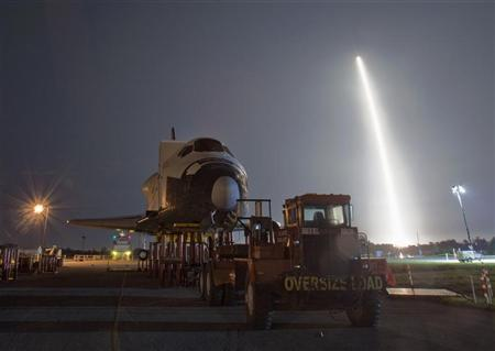 The SpaceX Falcon 9 test rocket lifts off from Space Launch Complex 40 at the Cape Canaveral Air Force Station in Cape Canaveral, Florida May 22, 2012. REUTERS/Pierre DuCharme